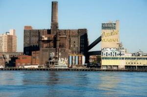 The Domino Sugar refinery. (Courtesy Flikr/Jackie Weisberg)