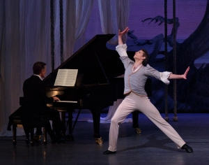 Pianist Cameron Grant and Russell Janzen as Schumann in Balanchine's 'Davidsbündlertänze.' (Photo by Paul Kolnik/© The George Balanchine Trust)