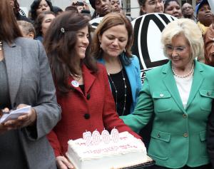 Letitia James, Sonia Ossorio, Melissa Mark-Viverito, Lilly Ledbetter present cake