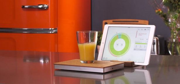 This chopping board is the marriage of chopping carrots and embedded network systems that we've been waiting for all these years. (via The Orange Chef Co.)