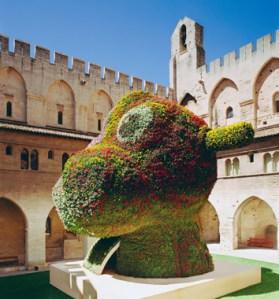 Koons's 'Split-Rocker' (2000), installed at the Palais des Papes in Avignon, France. (© Jeff Koons)