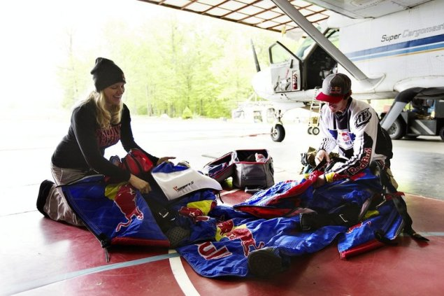 Jeff Provenzano and Amy Chmelecki prepare to practice winguit skydiving at The Ranch in Gardiner, NY, USA on May 16, 2014. (Red Bull)