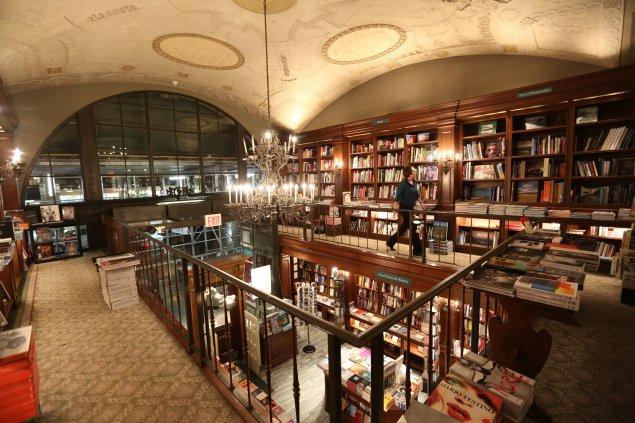 Rizzoli Bookstore(Rizzoliusa.com).