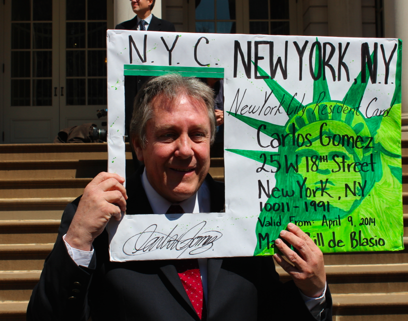 Councilman Danny Dromm at an I.D. card rally. (Photo: Kelly Weill)