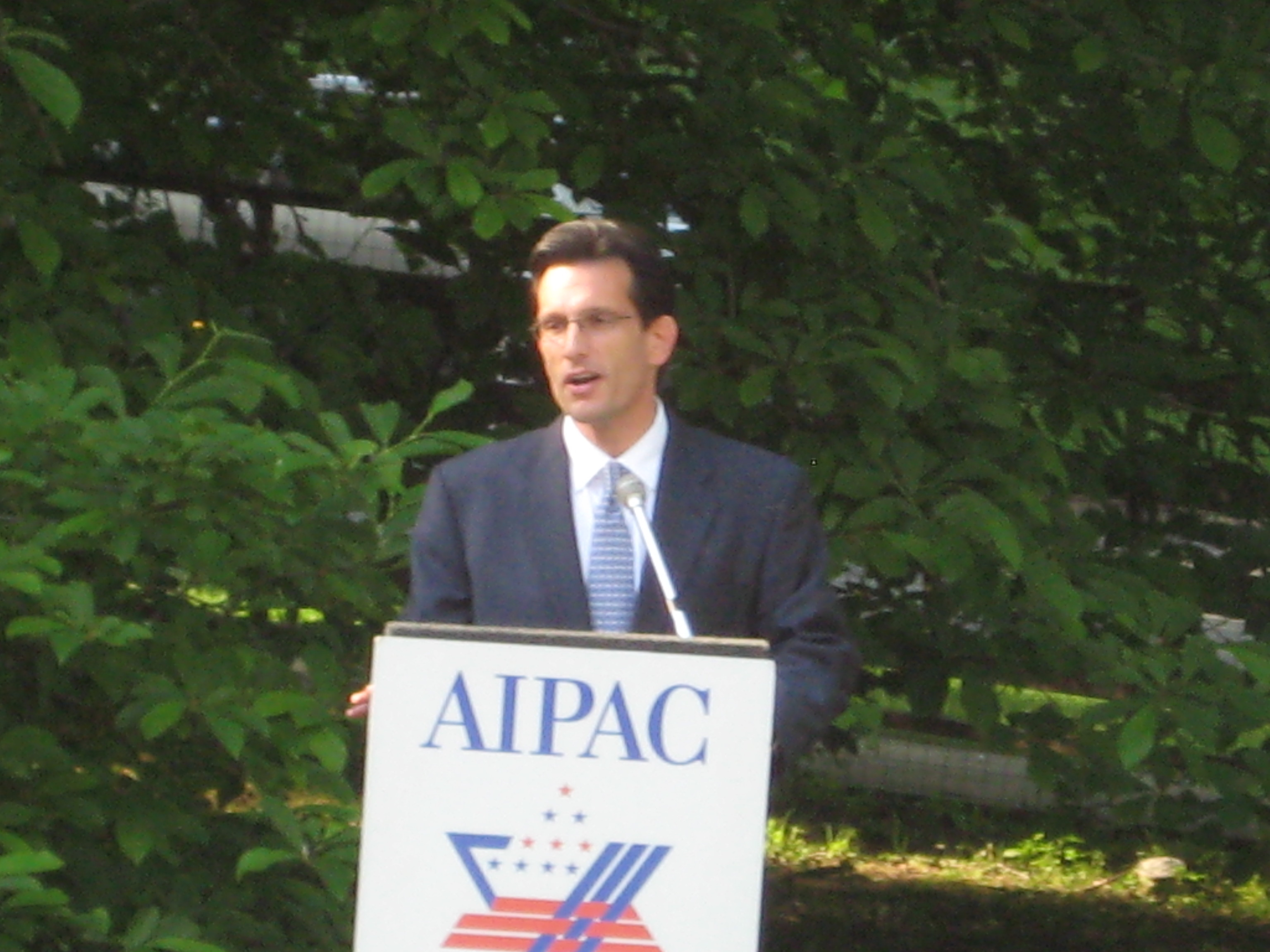 Eric Cantor appears for AIPAC in New Jersey, June 2009. (Photo by Ken Kurson)