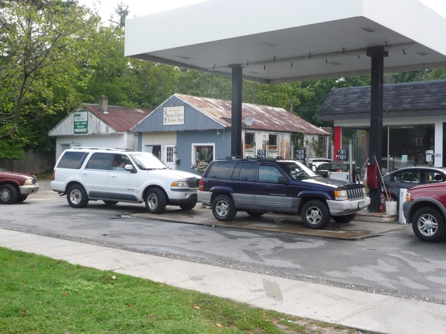The Empire Gas Station in East Hampton seeks to add a convenience store onto its existing site — a proposition which has led neighborhood resident Jeffrey Slonim to file a lawsuit against the town. (Courtesy of Jeffrey Slonim)