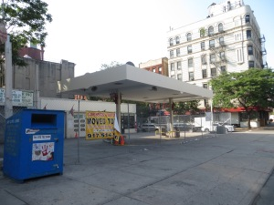 The now barren Mobil station at 24 2nd Avenue (Photo: Alex Rabinowitz)