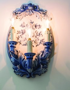 A Delft-style candelabrum. (Photo by Emily Assiran)