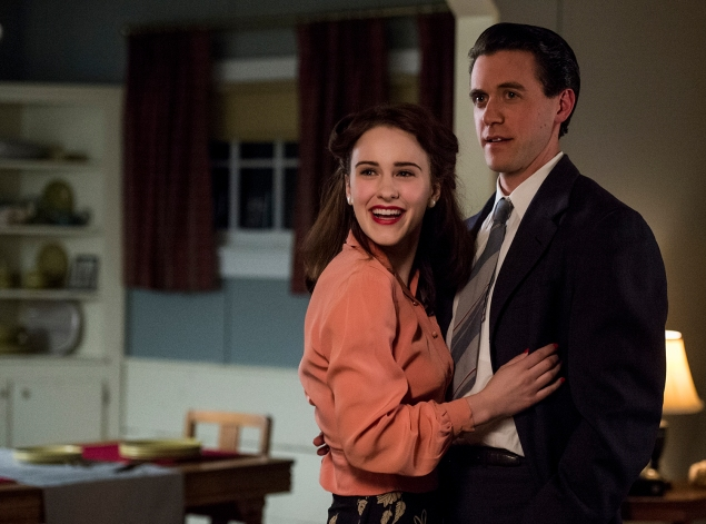 Abby and Charlie Isaacs, newcomers to P.O. Box 1663, are played by Rachel Brosnahan and Ashley Zukerman. (Photo via WGN)