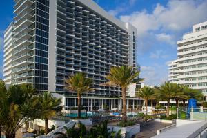 The Eden Roc Miami Beach, where CammingCon is taking place. (Facebook)