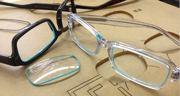"""Frameri styles come in three """"families,"""" and as long as you have the same family of frames, all of your lenses are compatible. (Photo via Frameri)"""
