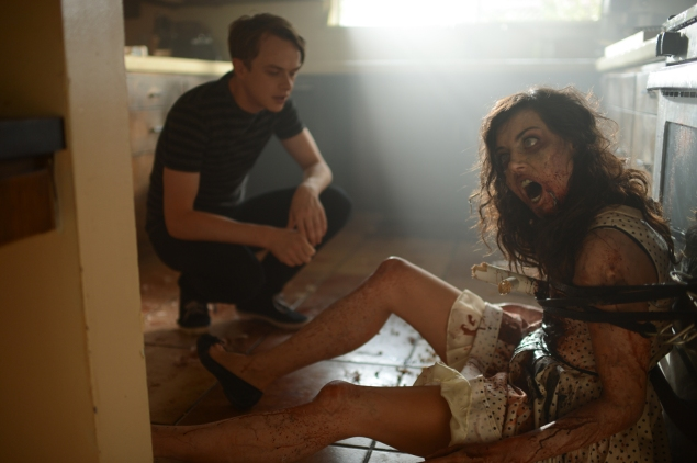 Aubrey plaza is zombified in Life After Beth.
