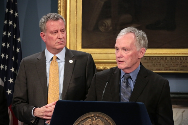 New Corrections Commissioner Joseph Ponte, with Mayor Bill de Blasio in March. (Photo: Ed Reed/Office of the Mayor)