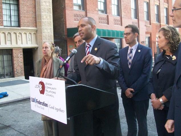 Congressman Hakeem Jeffries at today's anti-Iran press conference. (Photo: Ross Barkan)
