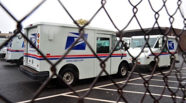 The United States Postal Service is stepping into the 21st century with a new service called Informed Delivery. (Photo: Karen Bleier/Getty Images)