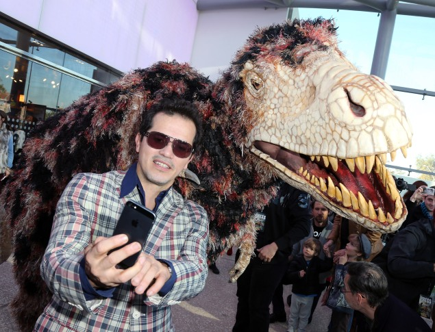 An actor takes a selfie at a museum. (Photo courtesy Getty Images)