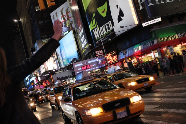 Soon women women will be able to call a cab with a female driver using new app SheTaxi (Damian Moore/Flickr)