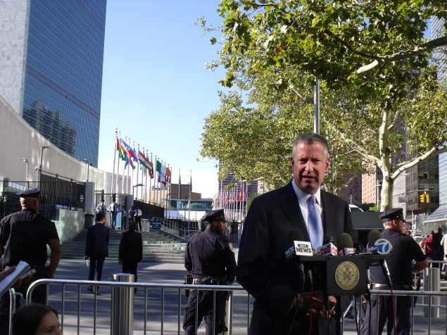 Mayor Bill de Blasio outside the United Nations today. (Photo: Jillian Jorgensen)