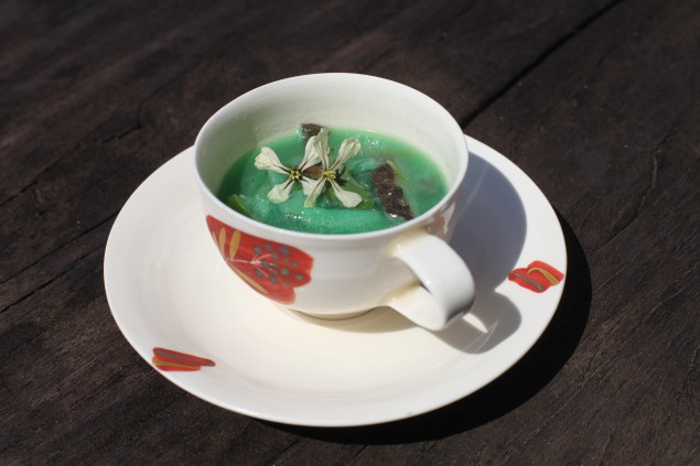 United Brothers' Does This Soup Taste Ambivalent?, presented with Green Tea Gallery, Iwaki as part of Frieze Live at Frieze Art Fair London 2014. (Photo courtesy Frieze Art Fair)