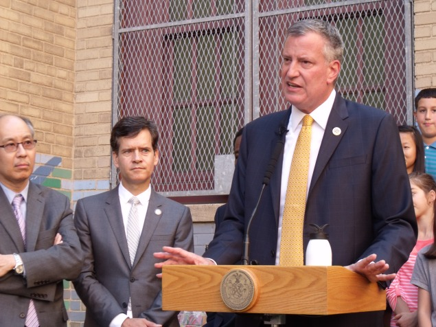 Mayor Bill de Blasio in Manhattan today. (Photo: Jillian Jorgensen)