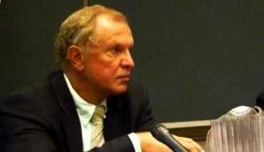 Lesniak hopes to run for governor in 2017.
