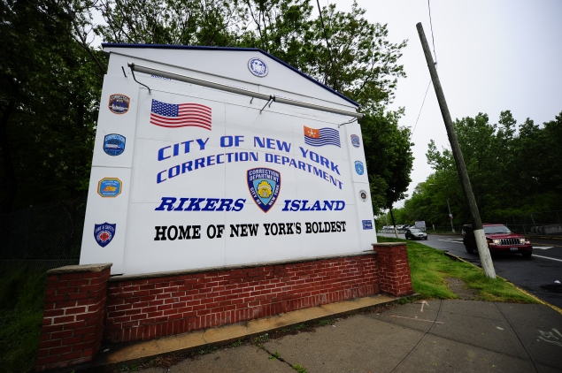 A view of the entrance to Rikers Island penitentiary complex. (EMMANUEL DUNAND/AFP/Getty Images)