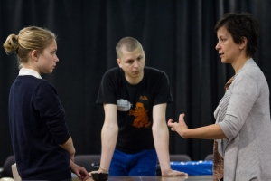 Ms. Shapiro talks with Mr. Cera and Ms. Gevinson at a This is Our Youth rehearsal.