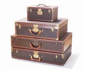 Auctionata Well-Traveled Gentleman