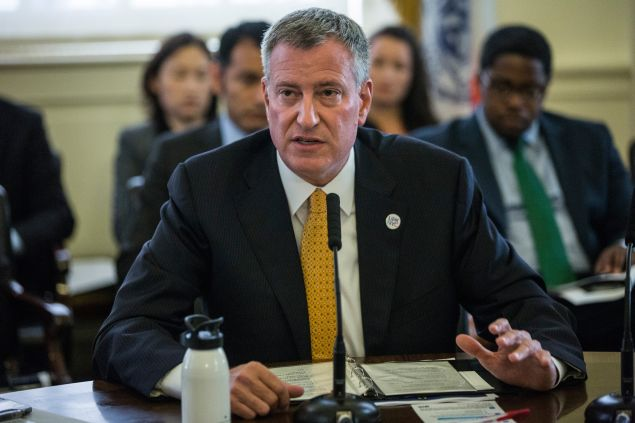 Mayor Bill de Blasio is being lambasted on Twitter for tweeting out a mock New York Post cover from his official account. (Photo: Andrew Burton/Getty Images)