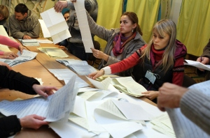 Counting votes in Ukraine. (Photo Sergey Gapon/AFP/Getty Images)