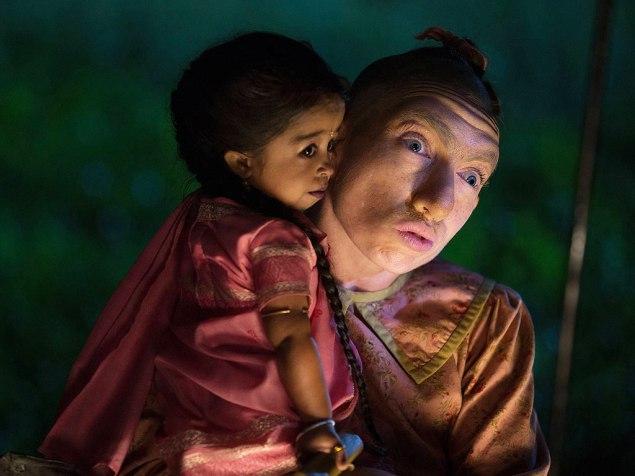 Jyoti Amge as Ma Petite and Naomi Grossman as Pepper in American Horror Story: Freak Show.