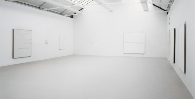 An installation of Robert Ryman works at the Saatchi Gallery, London (Courtesy Saatchi Gallery)