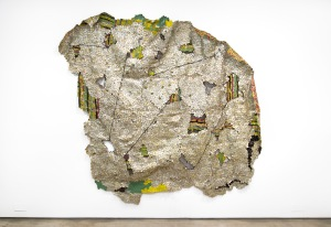 El Anatsui, Stained Story, 2014. (Courtesy of the artist and Jack Shainman Gallery)