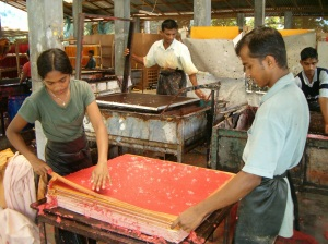 Workers in Sri Lanka craft paper for Mr. Ellie Pooh, a Fair Trade Federation member (Karl Wald/Mr. Ellie Pooh)
