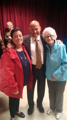 MacArthur, Republican, poses for a photo with Leisuretowne residents.
