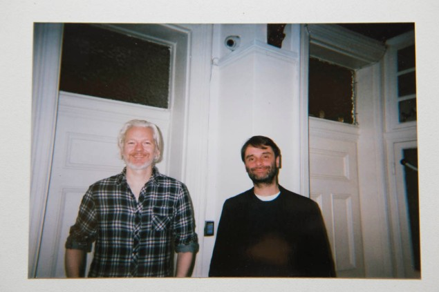 Mr. Assange with the author Photo by Emily Lembo)