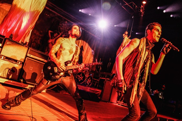 Dave Navarro and Perry Farrell of Jane's Addiction