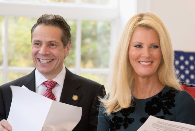 Gov. Andrew Cuomo with Sandra Lee (Photo: Kenneth Gabrielsen/Getty Images)