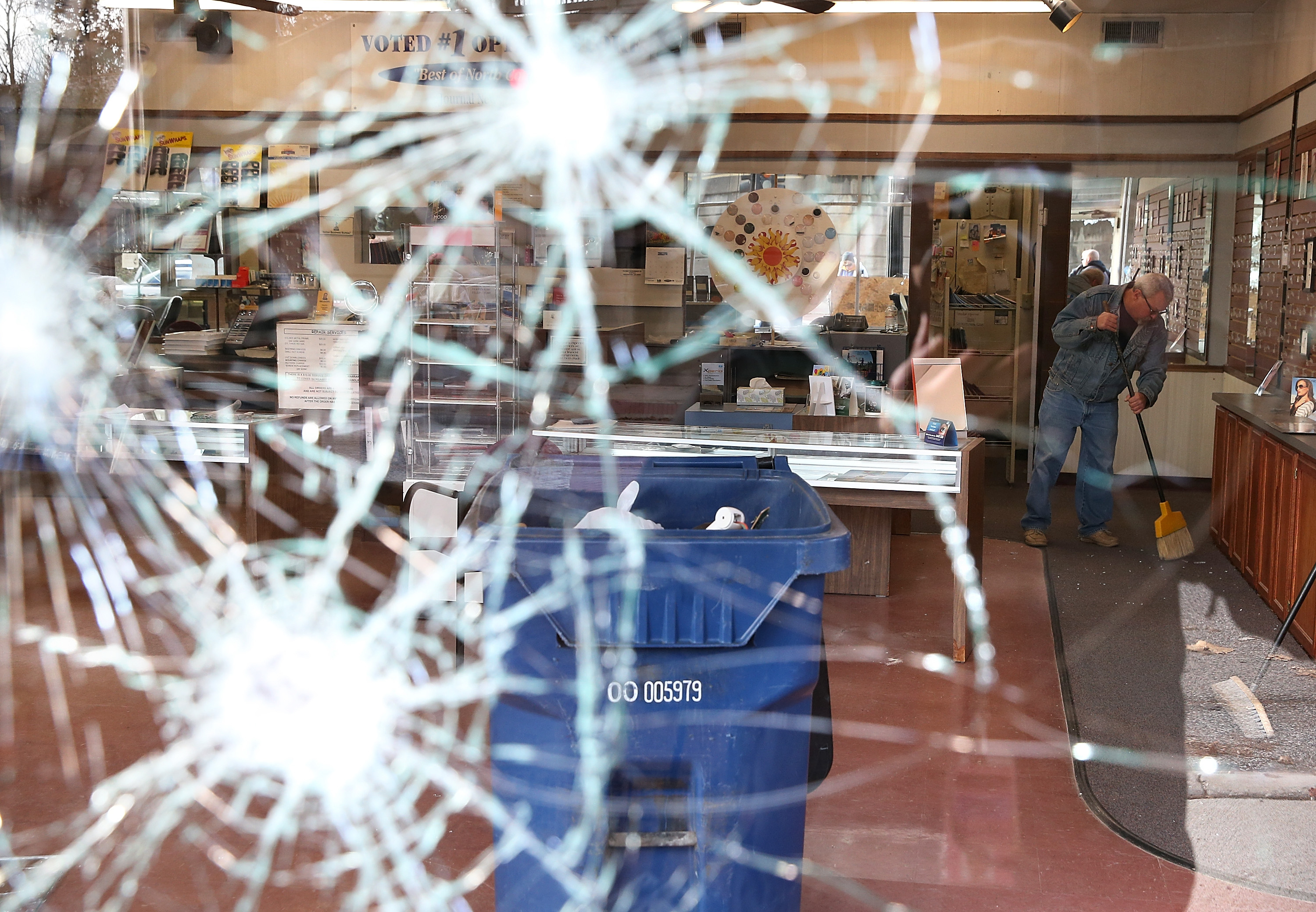 A broken storefront in Ferguson, MO. (Photo: Justin Sullivan/Getty Images)
