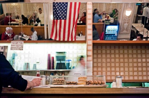Edison Cafe. (Becky/flickr)