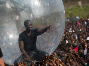 Akon's Bubble Act had nothing to with Ebola (Photo: 360nobs.com)