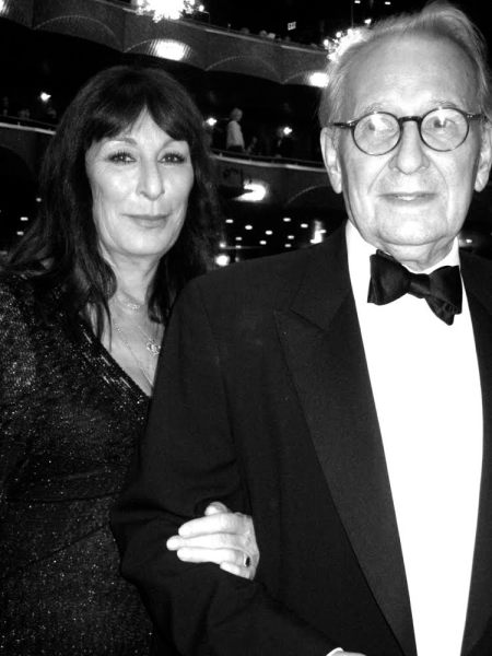 Angelica Huston and Earl McGrath at the Metropolitan Opera (Photo by Jill Krementz)