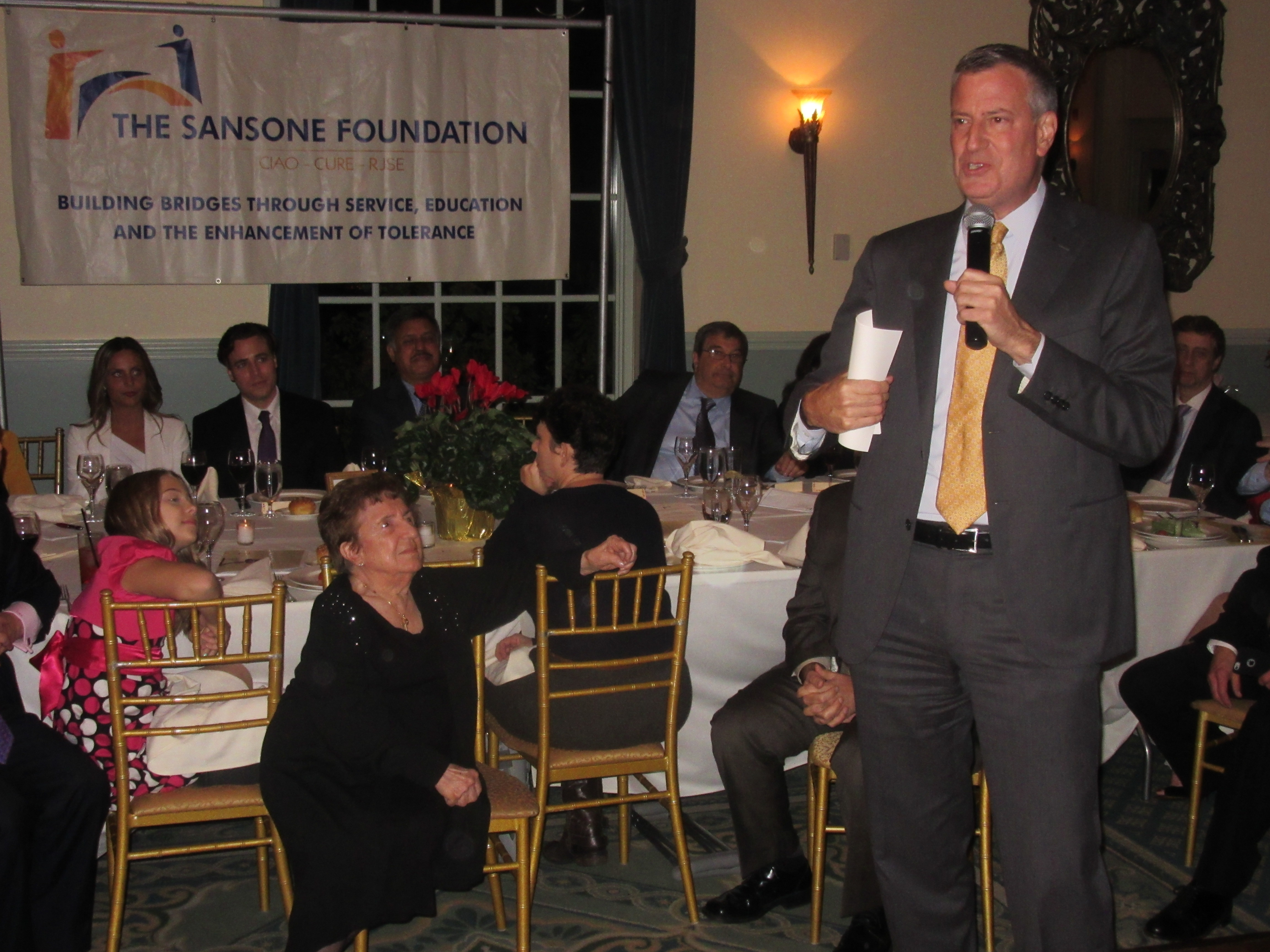 Mayor Bill de Blasio speaks at the Sansone Foundation dinner (Photo: Will Bredderman).