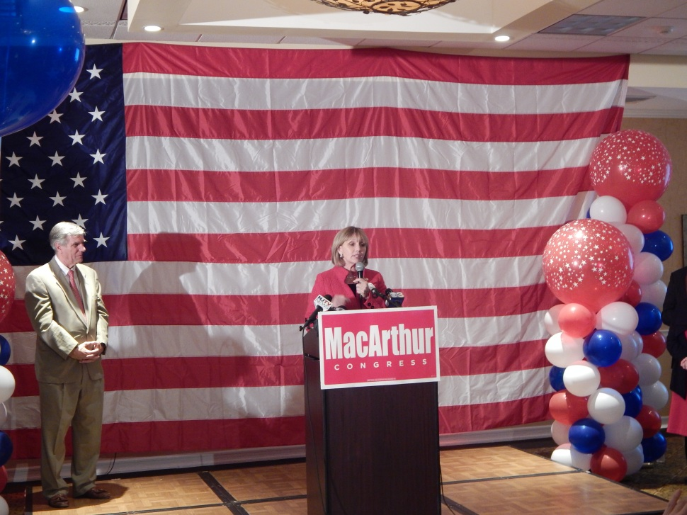 Guadagno at tonight's OCGOP rally in Toms River.