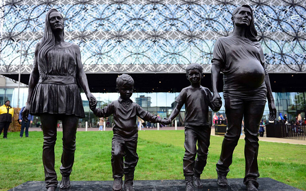 Gillian Wearing's A Real Birmingham Family (Photo courtesy of Birmingham City Council, Arts Council England and Ikon)