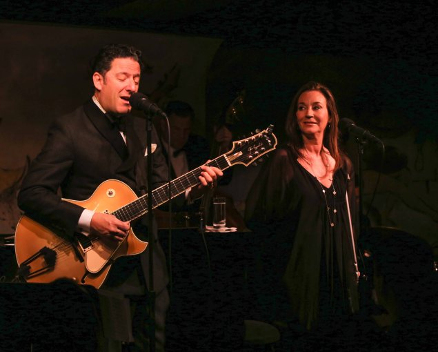 """John Pizzarelli and Jessica Molaskey perform their """"Grownup Songs."""" (Photo by Stephen Sorokoff)"""