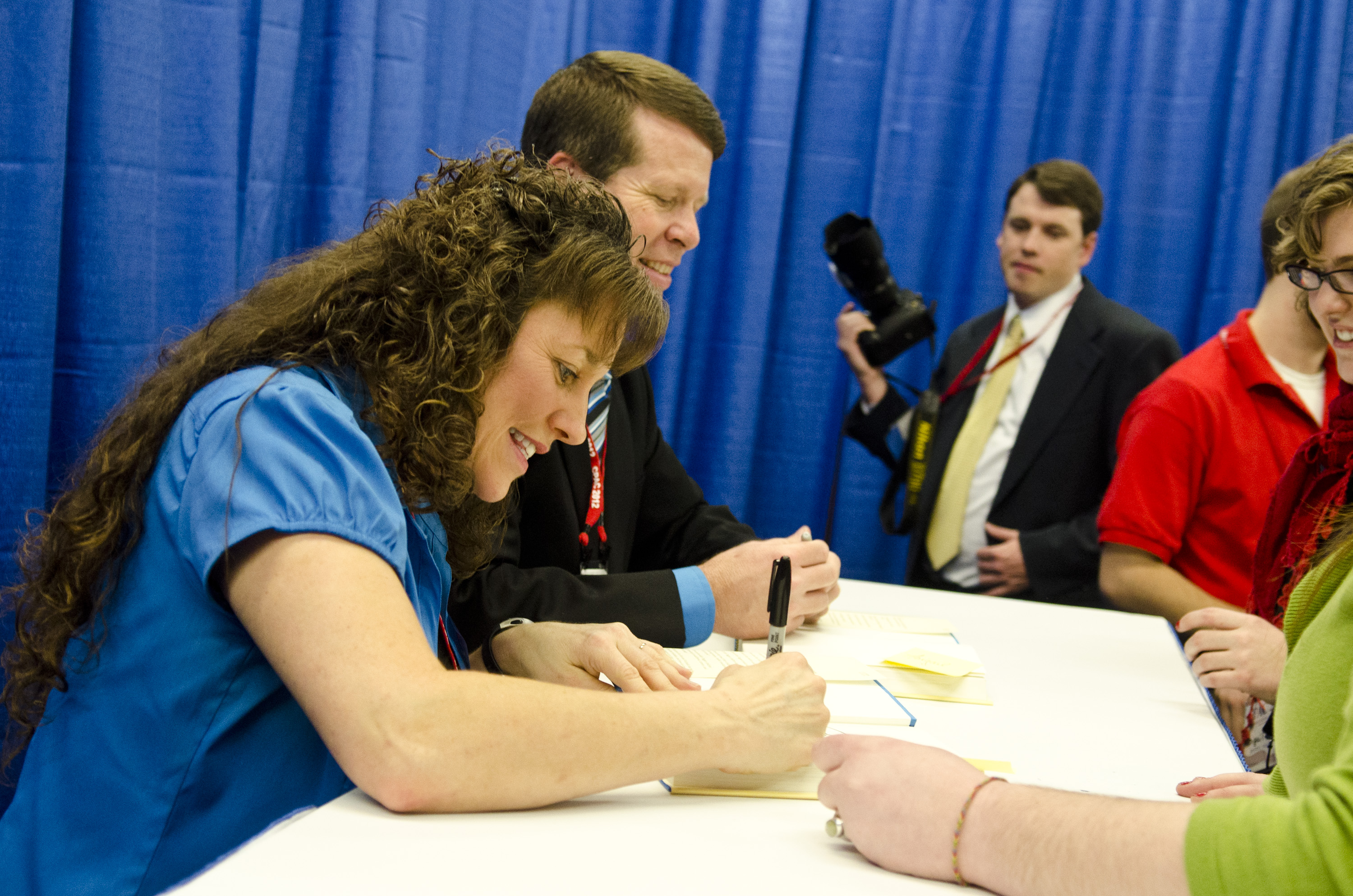 """Michelle Duggar Signs Copies Of """"A Love That Multiplies"""""""