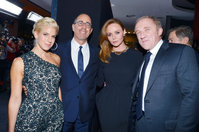 Stella McCartney flanked by Jessica Seinfeld, Jerry Seinfeld and François-Henri Pinault at the Lincoln Center Corporate Fund Gala. (Photo by Patrick McMullan)
