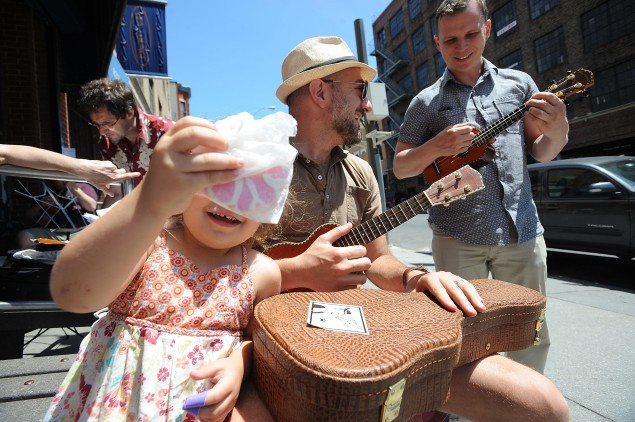 Happier times for the Tea Lounge: Make Music Day in New York City. (Photo: Brad Barket/Getty Images)
