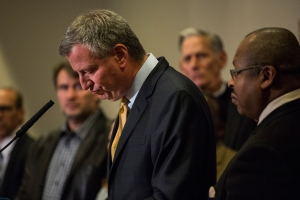 Mayor Bill de Blasio addresses the media after the Eric Garner grand jury decision. (Photo: Andrew Burton/Getty Images)